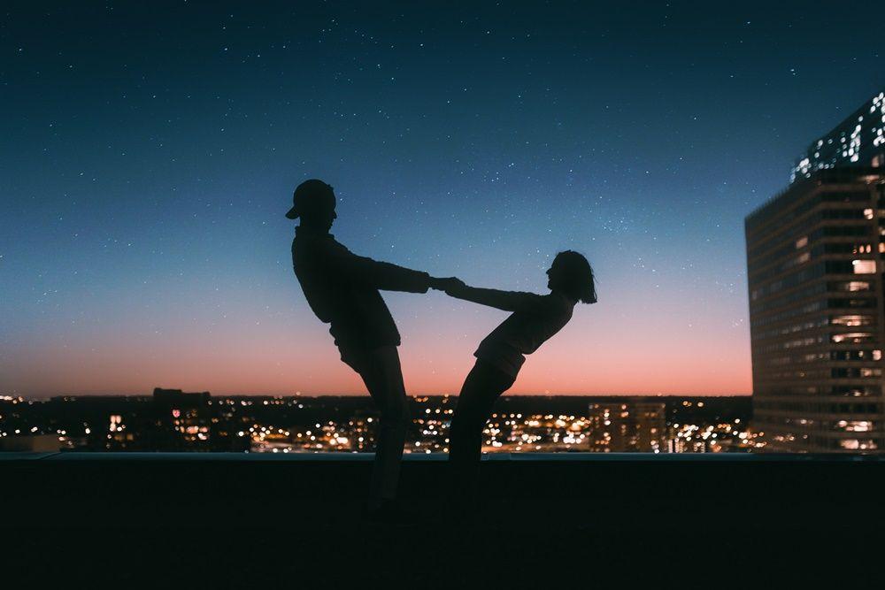 Bakal Langgeng, 5 Tanda Hubungan Kamu & Dia Punya Chemistry yang Kuat