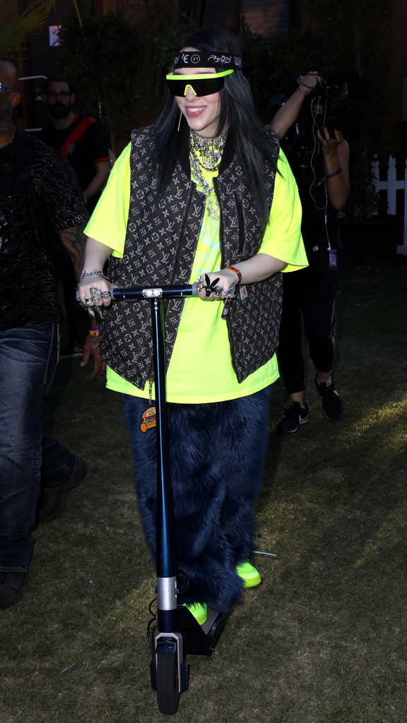 Perubahan Gaya Billie Eilish yang Makin Berani Tampil Terbuka
