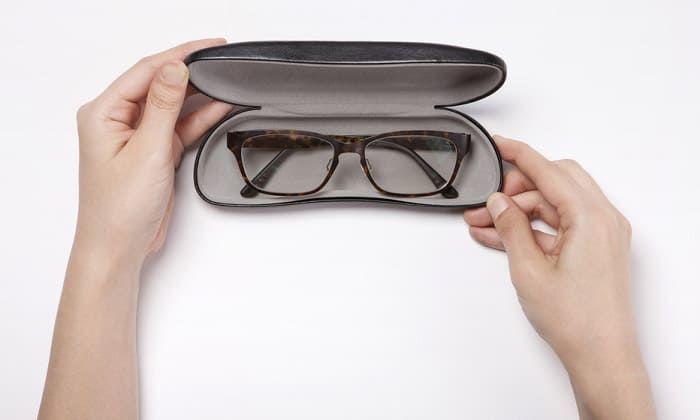 5 Tips Merawat Kacamata Supaya Tetap Awet dan Tahan Lama