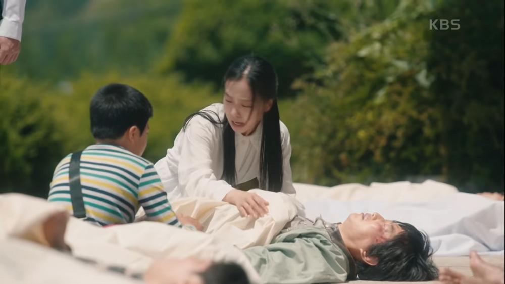 Dijuluki Sad Girl, Ini 9 Perjalanan Hidup Go Min Si di 'Youth of May'