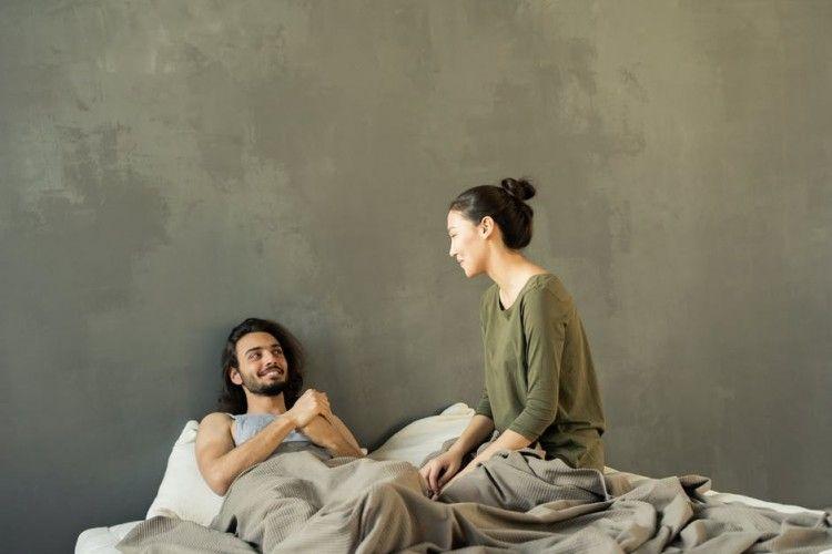 Ini 8 Cara Meningkatkan Gairah Pasangan Saat Malam Pertama