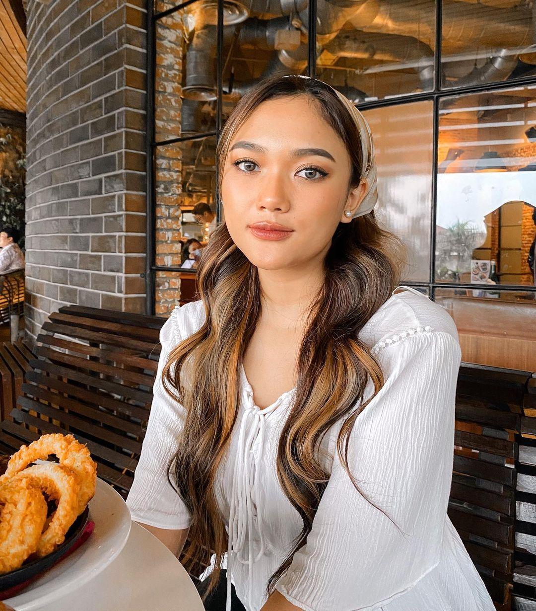 Ultah ke 21, Intip Transformasi Marion Jola yang Lugu jadi Sensual