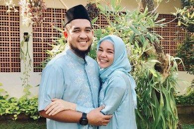 Jarang Diumbar, Begini Perjalanan Cinta Dewi Sandra Agus Rahman