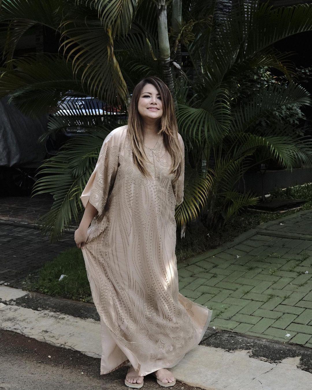 Pesona Wina Natalia, Istri Anji Manji yang Selalu Terlihat Awet Muda