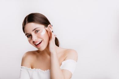 Cara Menggunakan Eye Cream Benar Agar Hasil Maksimal
