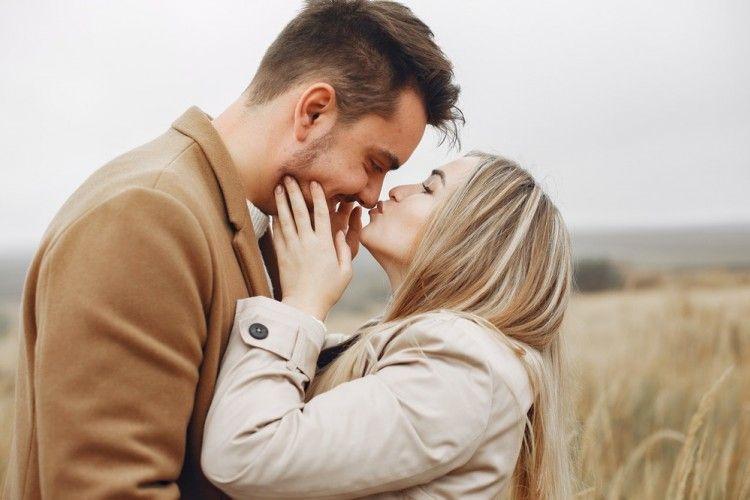 Bucin, Ini 5 Zodiak yang Paling Romantis Mengekspresikan Rasa Cintanya
