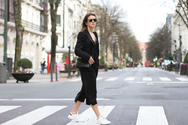 Tips & Trik Pakai Kulot Hitam Supaya Lebih Fashionable