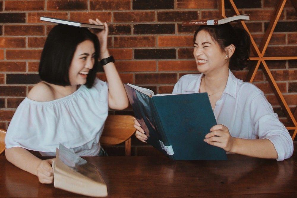 20 Ayat Alkitab Tentang Persahabatan