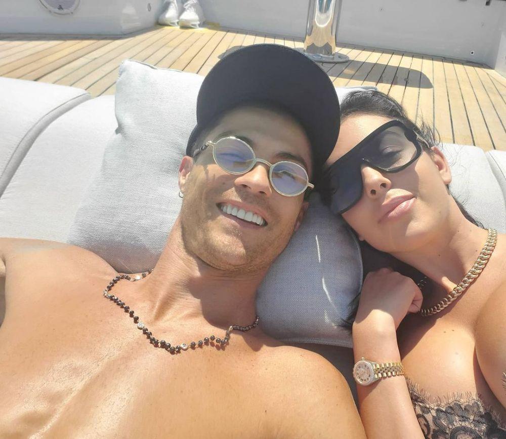 Punya Anak Tanpa Nikah, 10 Potret Mesra Cristiano Ronaldo dan Georgina