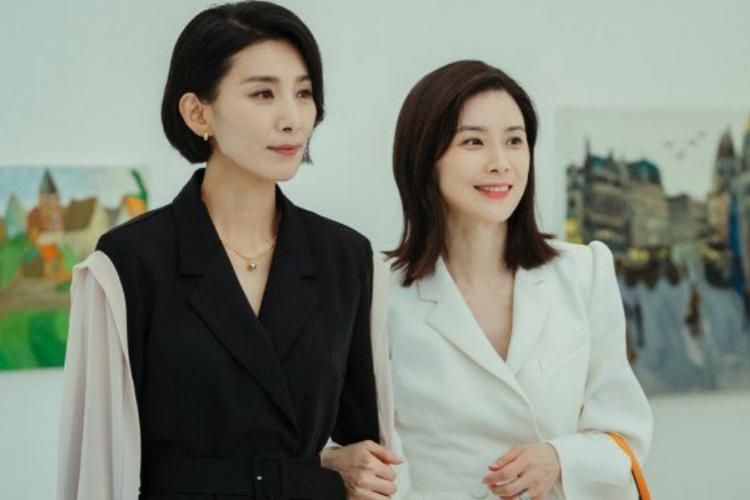 Ini 7 Rekomendasi Drama Korea tvN 2021, Ada Hospital Playlist 2!