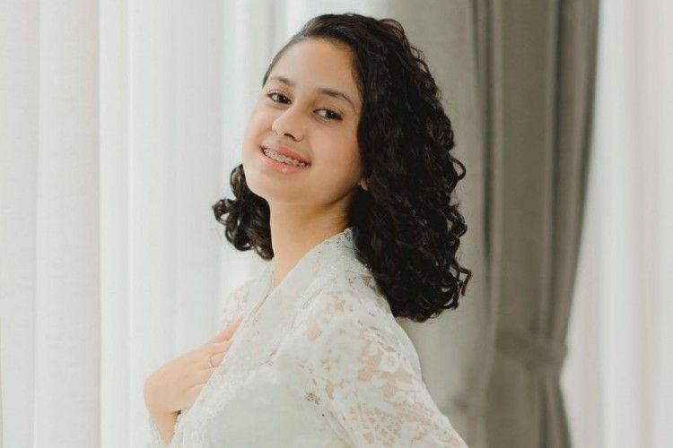 Pesona Gemas Asila Maisa, Putri Ramzi yang Berambut Ikal