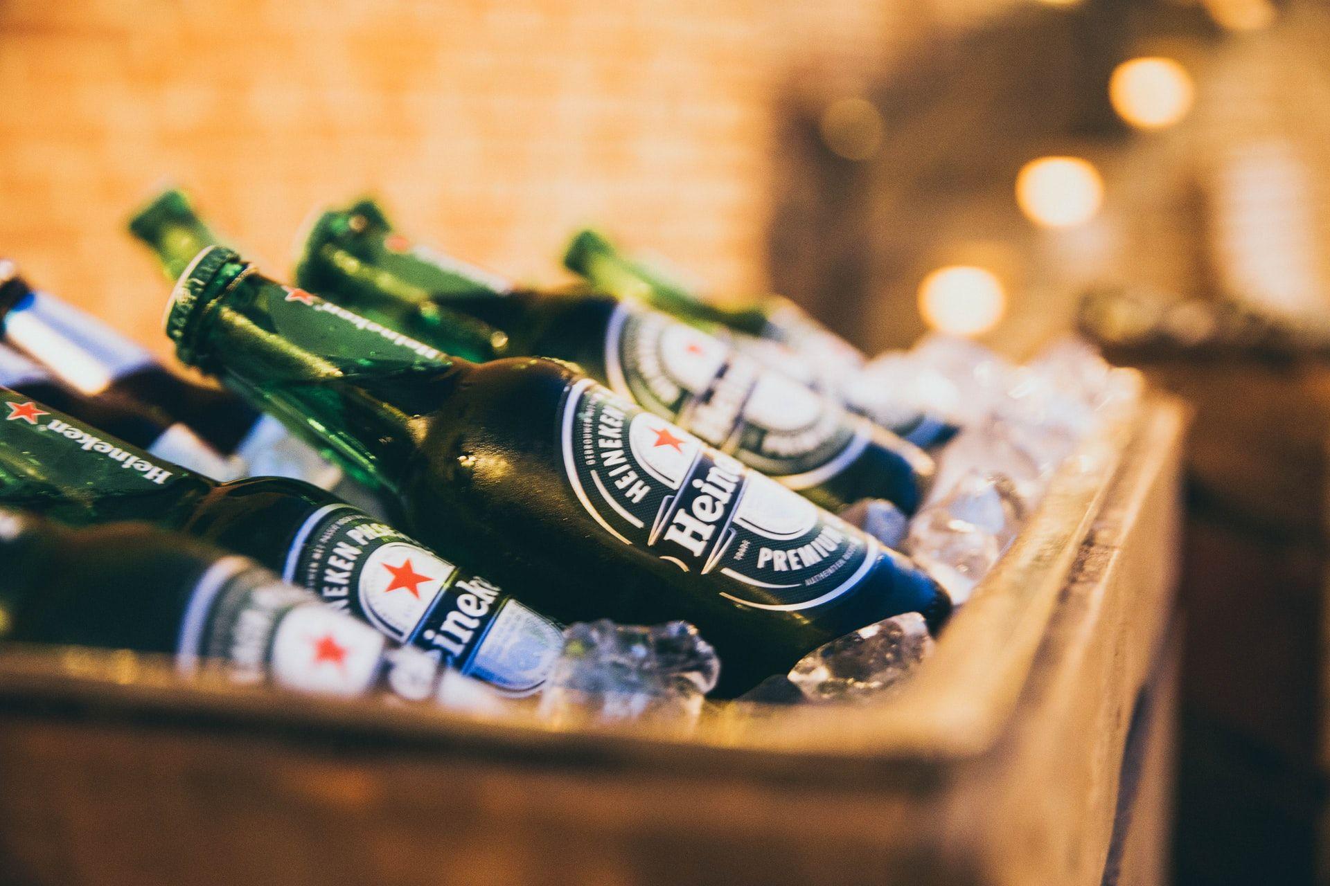 Akibat Paul Pogba Geser Botol, Coca-Cola Lemas, Heineken Puas!