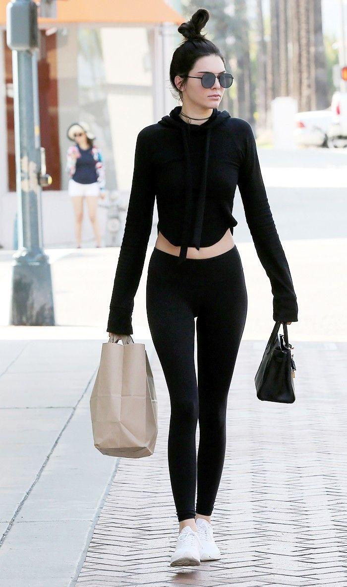 Tips Pakai Celana Legging untuk Sehari-hari, Kasual Hingga Mewah