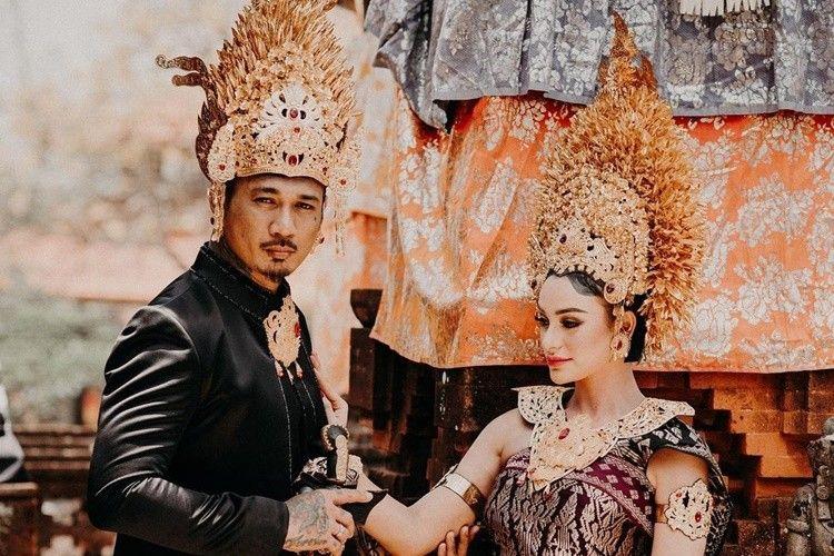 Berdarah Bali, 7 Artis Ini Menikah dengan Agama Hindu