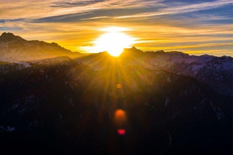 Ini Penjelasan BMKG Tentang Matahari Terbit dari Utara di Jeneponto