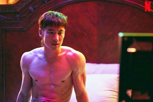 10 Aktor 'First lead' yang Didambakan Menjadi Villain, Setuju?