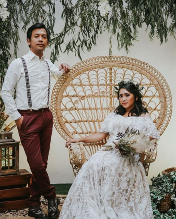 Lagi Disorot, 10 Potret Rian D'Masiv dan Istri yang Dikenal Family Man