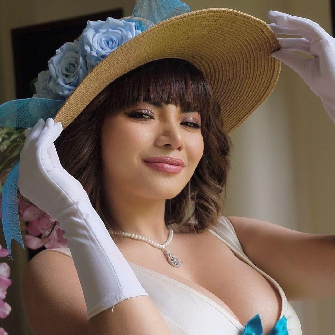 9 Potret Dinar Candy, DJ Seksi yang Kerap Tampil Menonjol