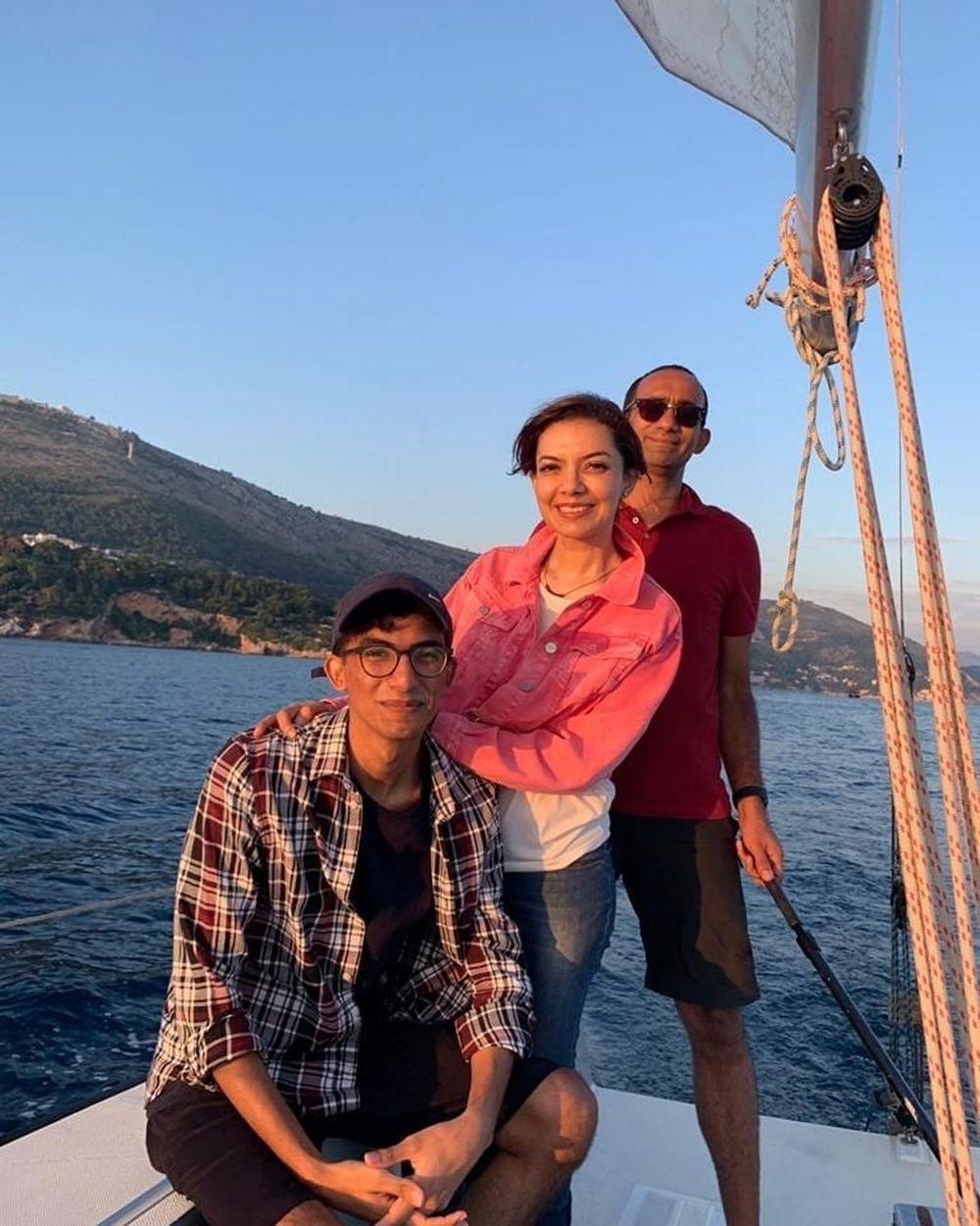 Jarang Disorot, Intip 10 Potret Mesra Najwa Shihab dan Suami