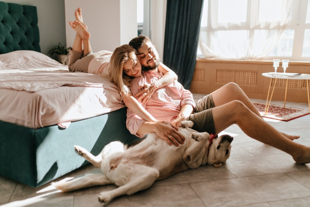 7 Hal yang Harus Kamu Stop di Media Sosial Saat Menjadi Suami Istri