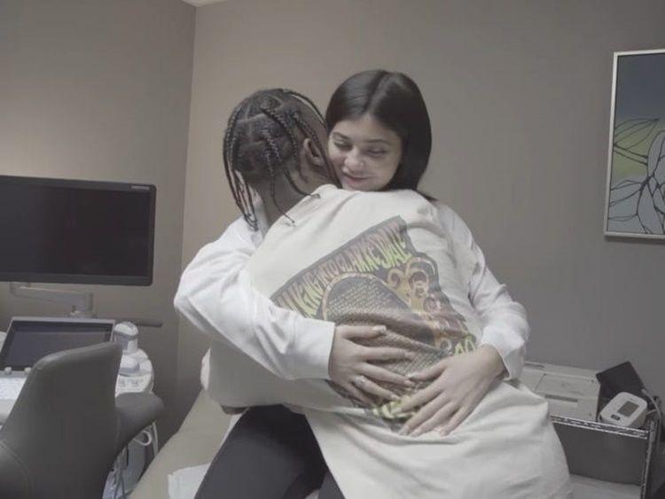 CLBK, Begini Perjalanan Cinta Kylie Jenner & Travis Scott yang Berliku