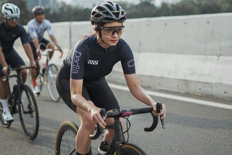 Tips Memilih Pakaian Olahraga yang Tepat untuk Bersepeda