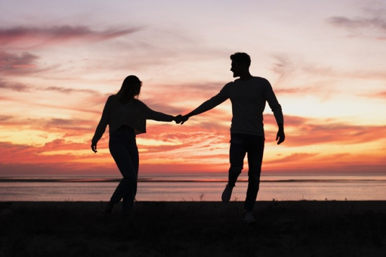 Ternyata Ini 7 Alasan Laki-laki Tidak Mau Publikasikan Hubungannya