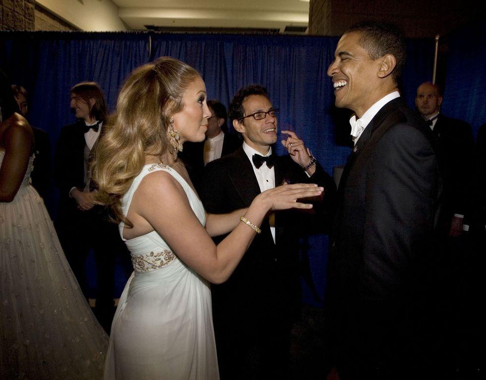Gaya 'Vulgar' Artis Hollywood saat Bertemu Presiden, Bajunya Menantang