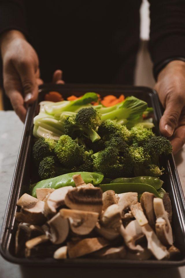 Tips dan Rekomendasi Makanan untuk Penderita COVID-19