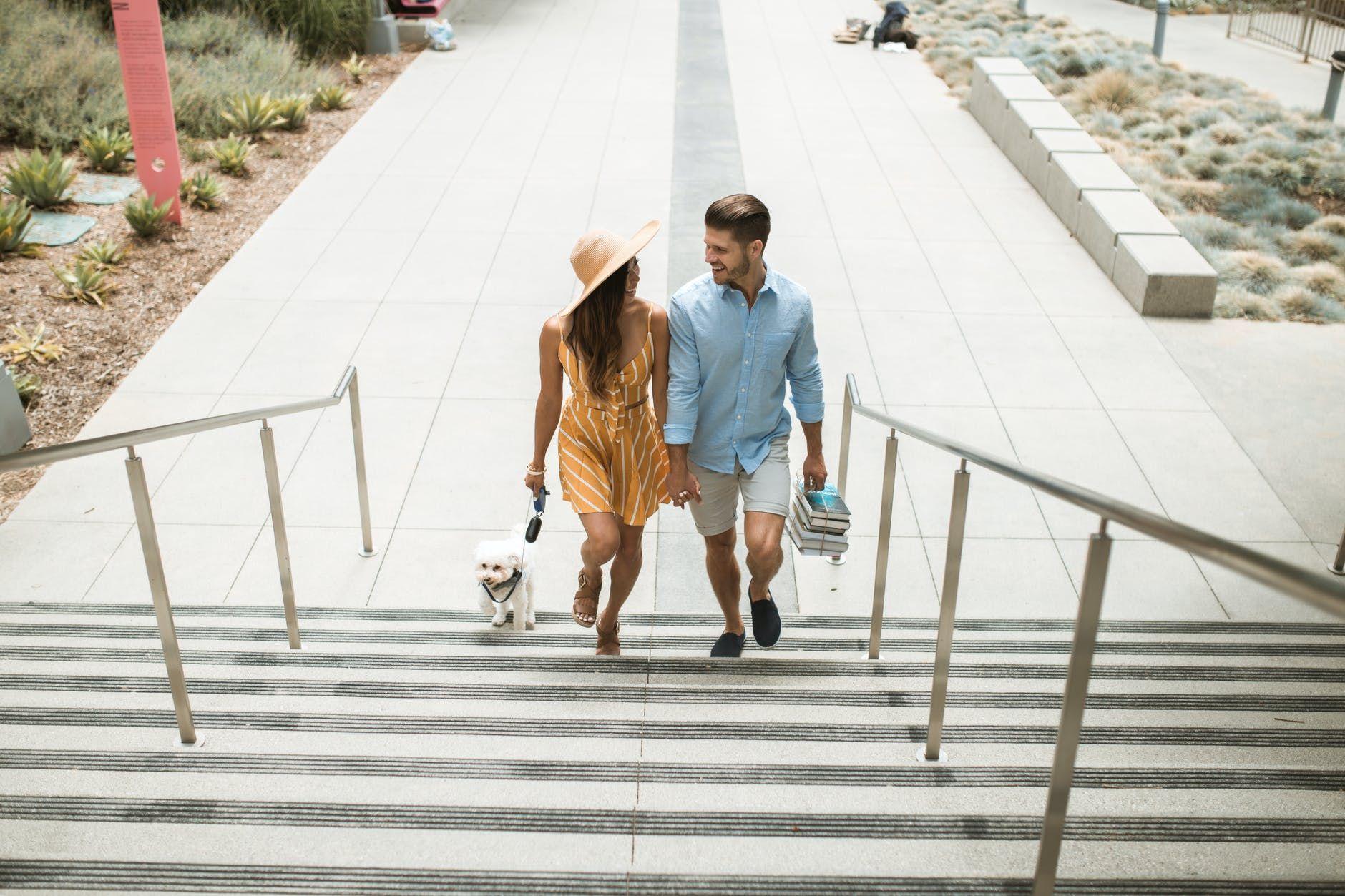 Tanpa Bicara, Lakukan 7 Hal Ini Sebagai Tanda Cinta!