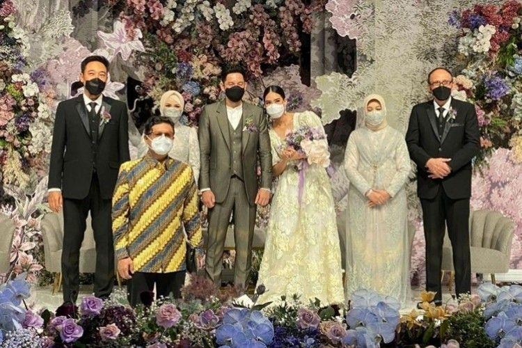 Bak Taman Bunga, Ini 9 Ide Dekorasi Pernikahan Mewah Alika Islamadina