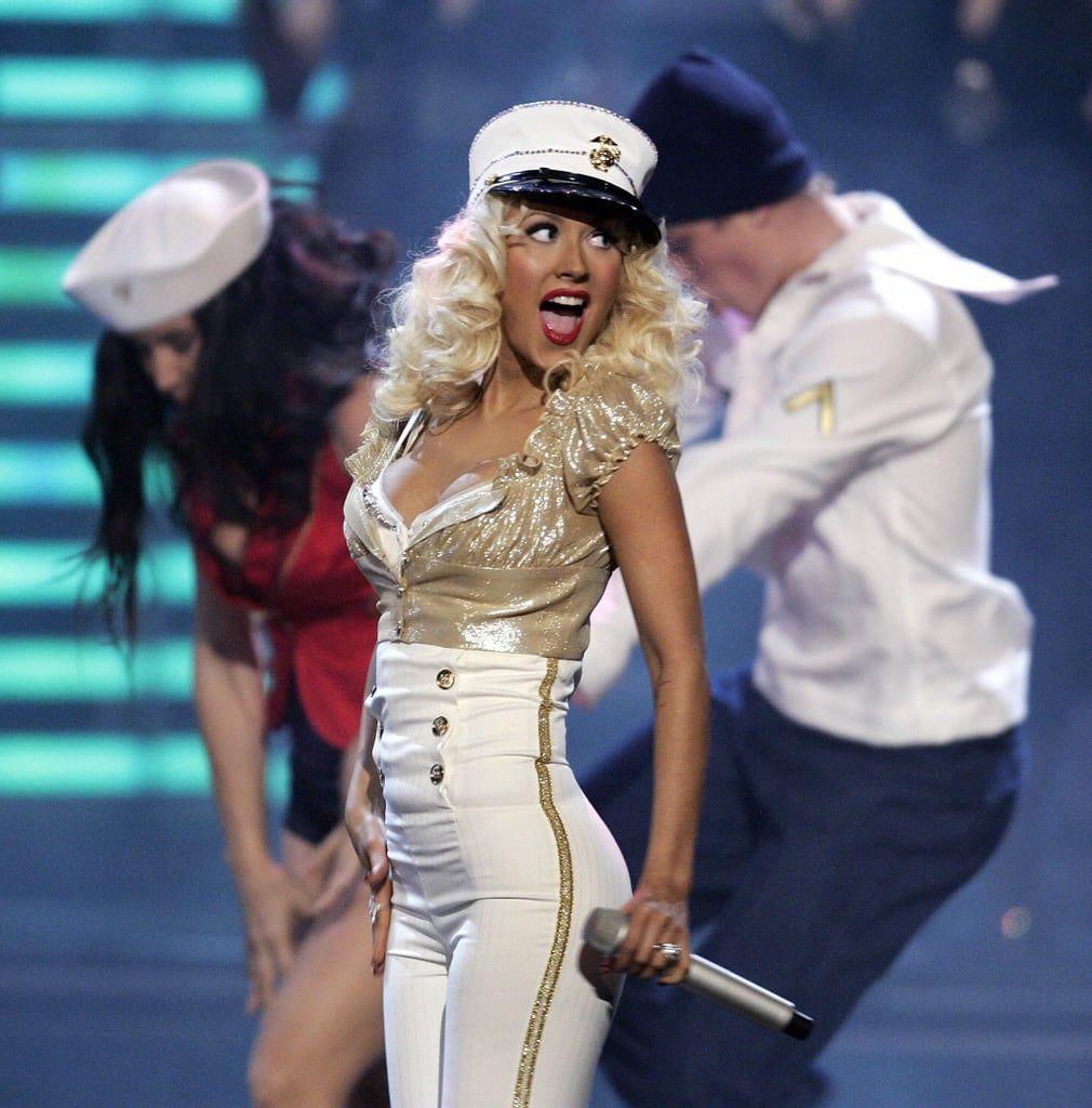 Sahabatan dengan Britney Spears, Ini Gaya Keren Christina Aguilera!
