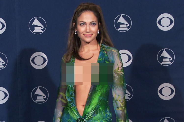 7 Dress Kontroversial Sepanjang Masa, Tahun 2000 - 2010