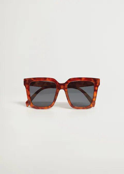 #PopbelaOOTD: Rekomendasi Kacamata Hitam 'Terjangkau' untuk Berjemur