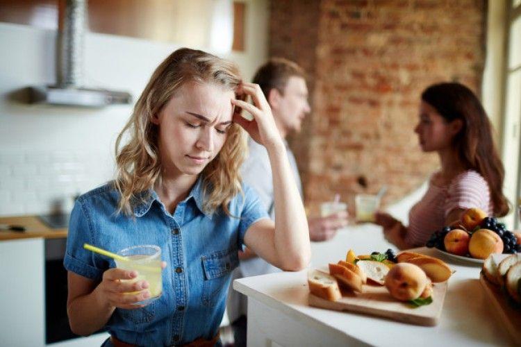 9 Cara Bijak Menghadapi Suami yang Dekat dengan Perempuan Lain