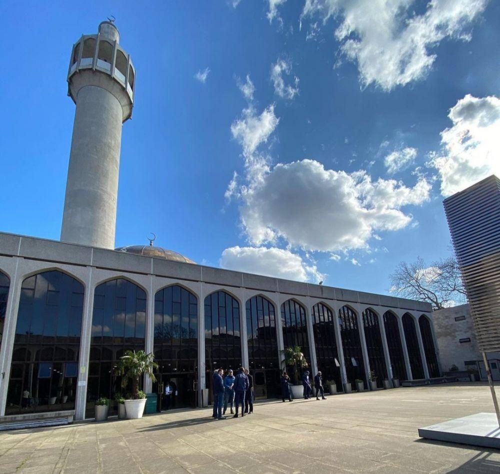 5 Masjid Indah Menawan di Inggris, Rekomendasi Wisata Ramah Muslim!