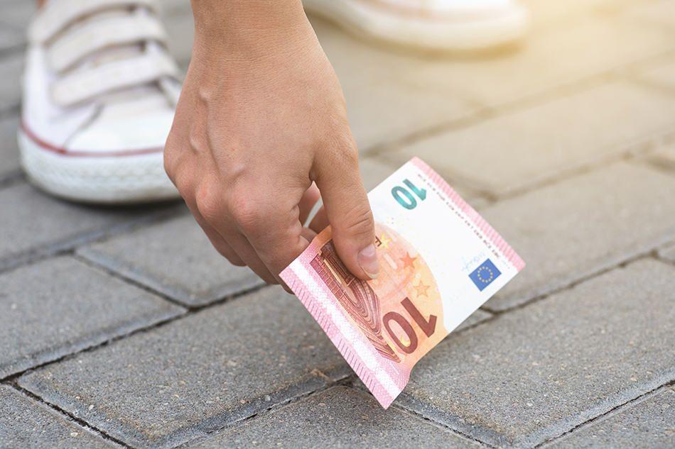 Mimpi Dapat Uang? Ini 10 Artinya Menurut Primbon