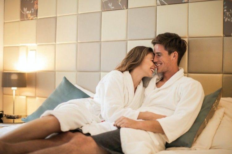 6 Cara Ampuh Merayu Pasangan Agar Mau Berhubungan Intim