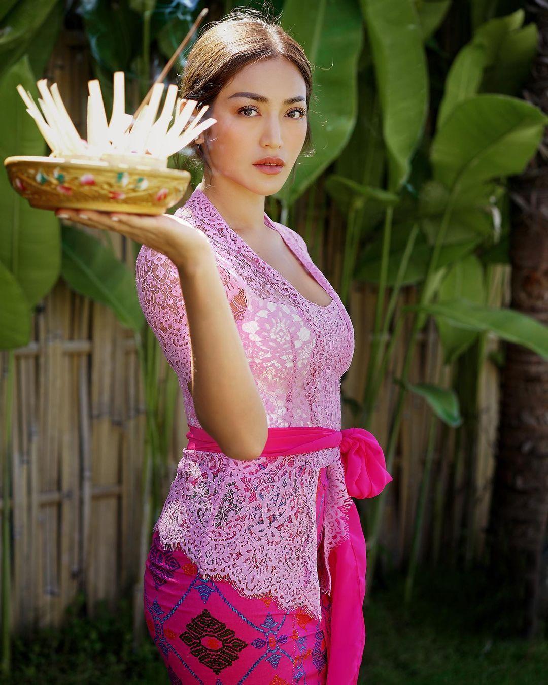 Inspirasi Pakaian Adat Bali yang Cocok untuk Baju Bridesmaid