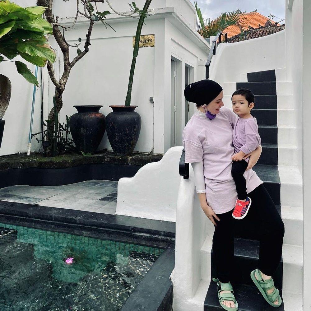 Rehat Syuting, Ini 6 Momen Liburan Arya Saloka dan Putri Anne ke Bali