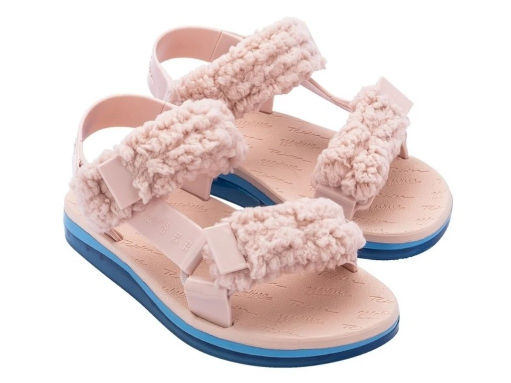 #PopbelaOOTD: Sandal Warna-warni untuk Kamu yang Suka Tampil Feminin