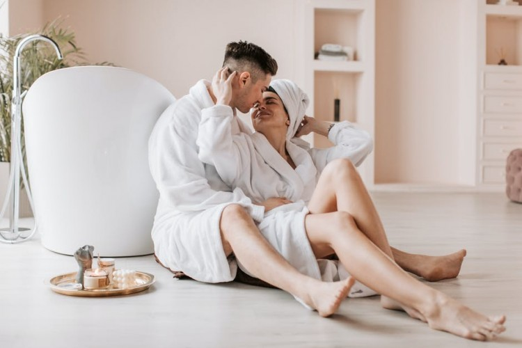 Ini 5 Manfaat Mengoleskan Minyak Kasturi di Vagina Pasca Haid