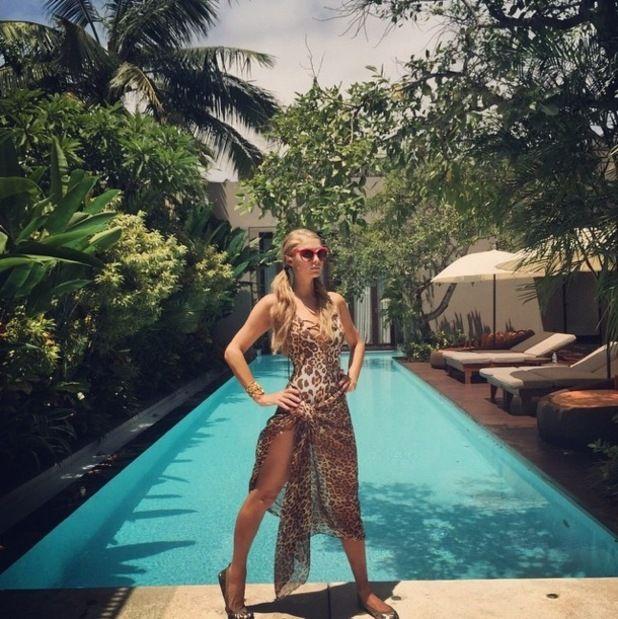 Deretan Artis Hollywood yang Pamer Gaya Seksi saat Liburan di Bali