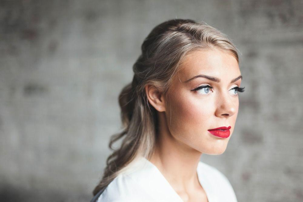 5 Teknik Memakai Blush On untuk Penampilan yang Berbeda