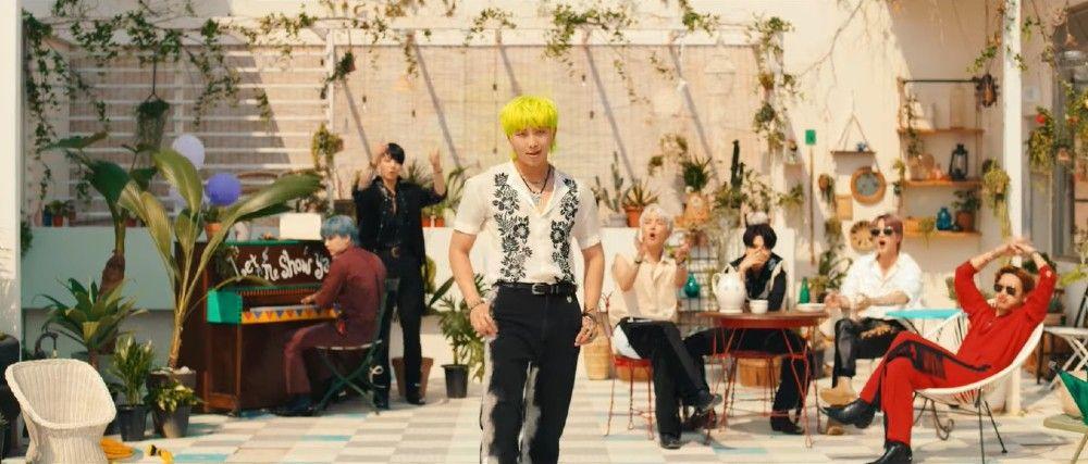 7 Fakta MV BTS Terbaru, 'Permission to Dance', Baru Rilis!