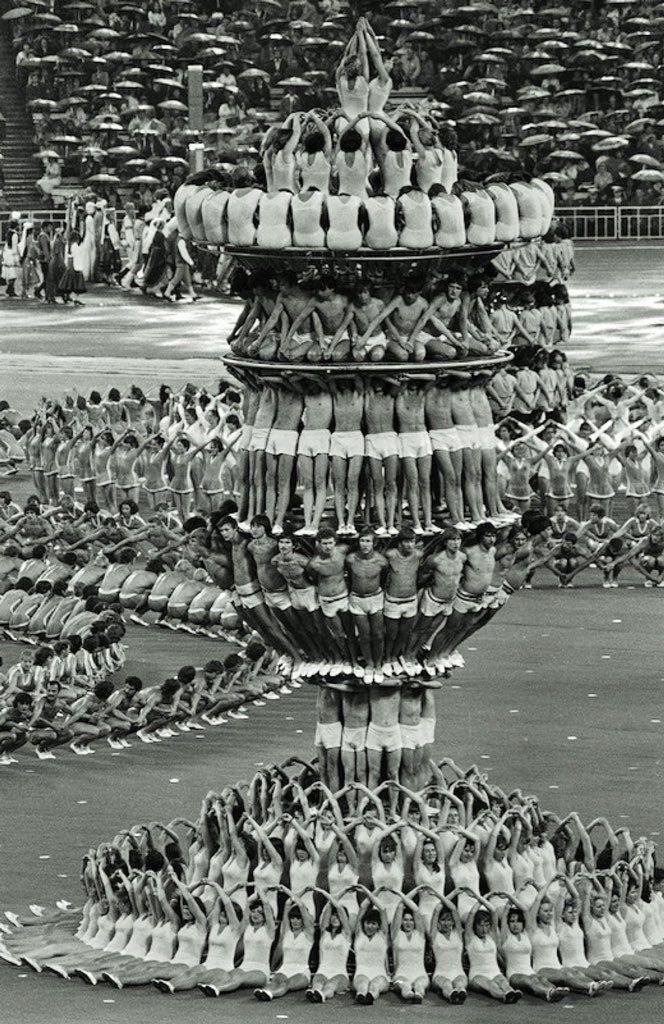 11 Foto Bersejarah yang Bikin Kamu Bersyukur dengan Pekerjaan Sekarang