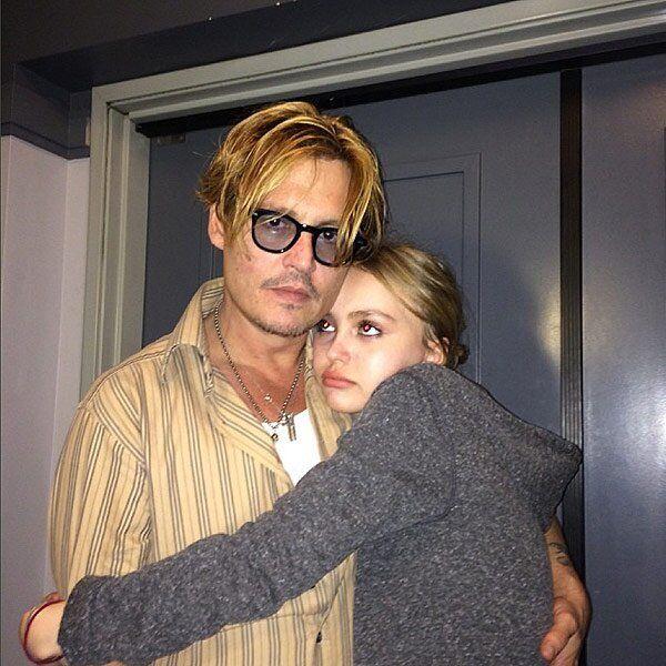 Gaya Kompak Para Seleb Hollywood dengan Ayahnya, Seperti Sahabat!