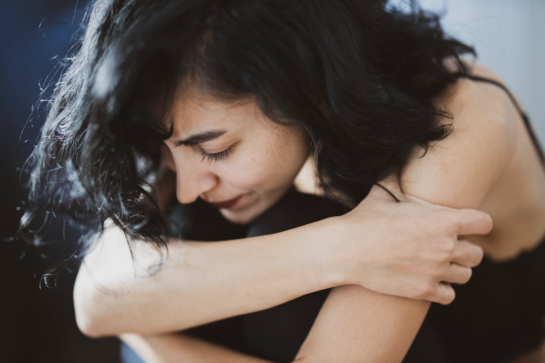 7 Alasan Perempuan Bertahan di Rumah Tangga yang Penuh Kekerasan