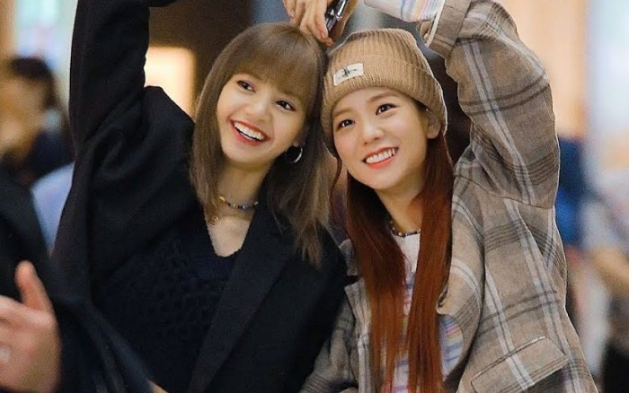 "Jisoo Mengaku Sudah Mendengar ""LS1,"" Musik Solo Lisa BLACKPINK"