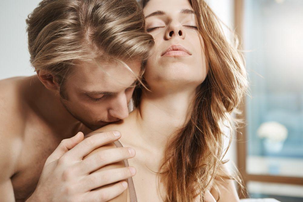 Coba  5 Posisi Seks Ini untuk Memuaskan Virgo di Ranjang